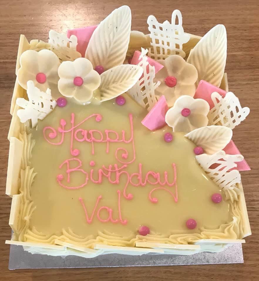 Astounding Birthday Cake 18 Euro Patisserie Personalised Birthday Cards Cominlily Jamesorg