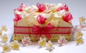 Frangipani Birthday Cake